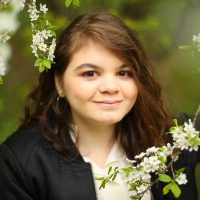 Базарова Дженнет, 17лет